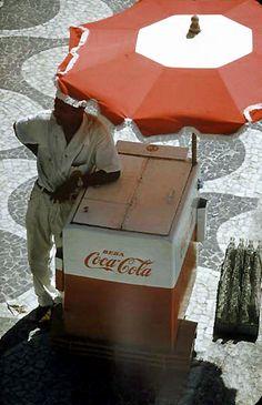 Vendedor de Coca Cola em Copacabana  Anos 60