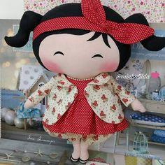 Muito Sapeca essa Toy ❤️ Encomendas (81) 98824-4076  #tilda #tildinha #tildatoy #bonecadepano #tildatoys #feitocomamor  #feitocomcarinho #mãedemenina #gravidez #coisasdemenina #maternidade #fofura  #chádebebê #decoração #doll #dolls #tildaworld #costurinhas #princesas #newborn #atelie #artesanato #recemnascido #futuramamae #tonefinnanger #vestidodeboneca