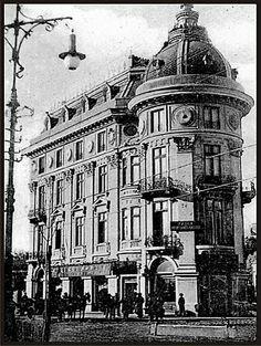 Fostul Hotel Astoria -B-dul Regina Elisabeta colt cu str. Brezoianu- vis-a-vis de Hotel Cismigiu