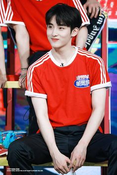 190604 WayV's Winwin recording for Day Day Up show. Taeyong, Jaehyun, Nct 127, Nct Winwin, King Of Hearts, Fandom, Kpop, Boy Photography Poses, K Idols