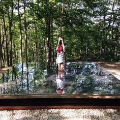 おおーーー元気玉ですか RT @sioux: 空気神社の地下本殿に行ってきた!年に一度しか入れない。世界で唯一、空気を祀った神社。ステンレスの鏡が敷かれている! わがまま言って上がらせてもらった! #空気神社 #空気まつり