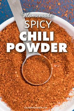 A recipe for making your own spicy chili powder blend at home for adding both heat and flavor to your dishes. Chili Spice Mix Recipe, Chilli Powder Recipe, Spiced Butter Recipe, Chili Recipe Stovetop, Homemade Chili Seasoning, Chili Seasoning Mix, Homemade Spices, Homemade Seasonings, Chili Powder