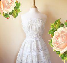 Awesome Vintage wedding dress BOHO LACE sleeveless wedding by