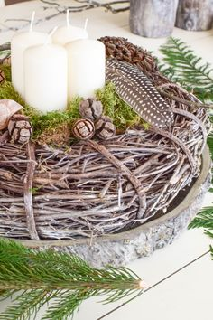 Advent wreath ideas make DIY yourself: of course made quickly. Advent wreaths from nature. Christmas Tree Box Stand, Gold Christmas Tree, Natural Christmas, Simple Christmas, Christmas Diy, Christmas Wreaths, Advent Wreaths, Minimal Christmas, Diy Spring Wreath