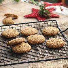 A pedido del público , va la receta de mis 'Galletas de quinoa-jengibre'. Así se van organizando con tiempo para esta Navidad y tienen cositas ricas y saludables disponibles entre tanto banquete! Receta: https://instagram.com/p/-0BMqfFWgq/  #galletas #cookies #navidad #christmas #saludable #healthy