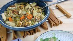 tajine met vis en groente, klaar om te serveren