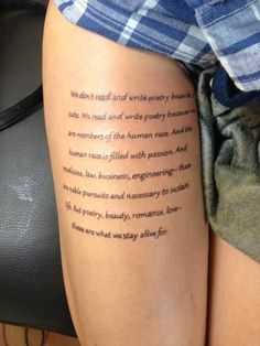 oberschenkel schrift tattoo frau tattoos pinterest. Black Bedroom Furniture Sets. Home Design Ideas