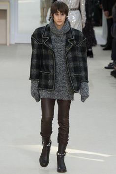 Chanel 2016 Fall Winter Menswear Julian De Gainza 800x1200 Karl Lagerfeld Puts Chanel Tweed Front & Center