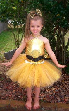 C3PO dress  sc 1 st  Pinterest & 17 really cool DIY Star Wars costumes for kids   Halloween ideas ...