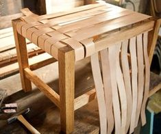 diy project: matt's woven leather stool, Diy And Crafts, Leather woven stool - great tutorial (Note: try using scraps from a leather-worker, old belts, or webbing from another piece of furniture). Diy Stool, Diy Chair, Wood Stool, Wood Table, Diy Pallet Furniture, Furniture Making, Diy Leather Furniture, Furniture Ideas, Woodworking Furniture