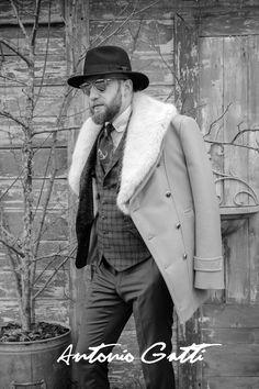 #palton #camel #modabarbati #antoniogatti #gulerblana #paltoanebarbati Coats, Black And White, Men, Shopping, Collection, Style, Fashion, Swag, Moda