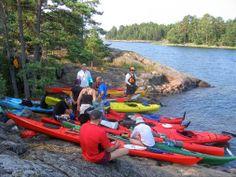 Tiimiytystä yrityksille ja yhteisöille:    Outward Bound Finland kehittää ja toteuttaa yksilöön kohdistuvaa koulutusta työyhteisöissä.   -  Toimintamme keskipisteenä on yksilö ja hänen toimintansa sekä hyvinvointinsa osana suurempaa kokonaisuutta. Muutokset yksilössä heijastuvat lähiympäristöön ja siitä edelleen koko työyhteisöön.  Klikkaa ja lue lisää!