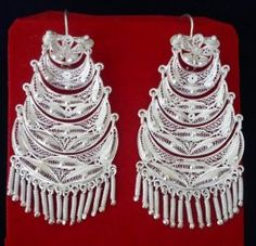 Aretes de filigrana en plata para marinera / traditional silver earrings for marinera dance (Catacaos, Peru)