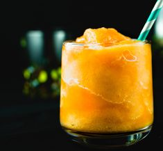 Sometimes we just need a drink. And it's something specific that we are looking for, but we don't have everything in our pantry. Which means, we use what we have, just like this margarita. Chef Recipes, Easy Recipes, Easy Meals, Cooking Recipes, Cooking Tips, Peach Margarita Recipes, Margarita Mix, Pear Drinks, Yummy Drinks
