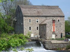 When we feel like an afternoon of culture, we head to the beautiful Hunterdon County Art Museum.