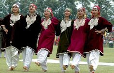 Traditional Dresses of Jammu and Kashmir - Informative & researched article on Traditional Dresses of Jammu and Kashmir from Indianetzone, the largest free encyclopedia on India. Traditional Fashion, Traditional Dresses, Kashmiri Suits, Kashmir India, Wedding Rituals, Desi Wear, Srinagar, Dress Sketches, Folk Dance