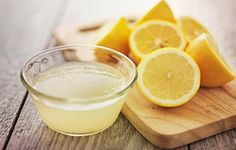 Tomato For Acne, Home Remedies, Natural Remedies, Nail Whitening, Baking Soda Scrub, Age Spot Removal, Drinking Lemon Water, Lemon Detox, Jus D'orange