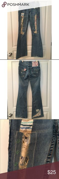 True Religion Woodstock Joey jeans Adorable distressed True Religion Woodstock Joey jeans. Size 26. Very good condition. Only wore a few times. These do run a size small. True Religion Jeans Flare & Wide Leg