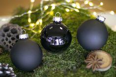 Mica Decorations Globuri Craciun negre Mica Decoration black Christmas baubles Black Christmas, Christmas Baubles, Bulb, Decorations, Holiday Decor, Home Decor, Christmas Ornaments, Decoration Home, Room Decor