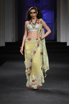 falguni shane peacock couture collection at india bridal fashion week 2012 - Yamini Kumar Cohen Photo Mariage