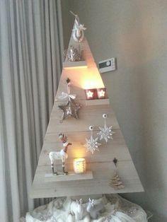 Onze zelfgemaakte steigerhouten kerstboom