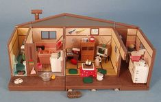My Vintage Dollhouses: More little houses...