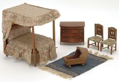 142: Lot: Tynietoy Four Poster Bed Room Set : Lot 142