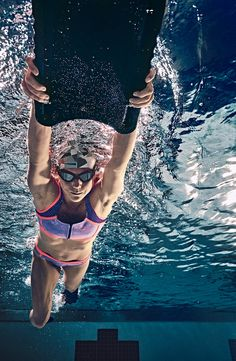 Reach for your goals with aqua fitness.
