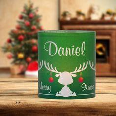 #Weihnachtsdeko #Christmas #Tischkarte #Windlicht Elche grün: https://www.meine-hochzeitsdeko.de/windlicht-weihnachten-tischkarte-elche