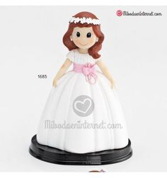 Figura Niña Comunión Fajín Lila Disney Characters, Fictional Characters, Snow White, Disney Princess, White Bodysuit, Flower Headbands, Lilac, Snow White Pictures, Sleeping Beauty