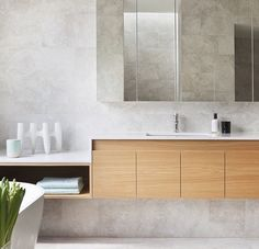 indispensable items for a modern interior - Makeover.nl - onmisbare items voor in een modern interieur – Makeover.nl A modern interior can be recogni - Bathroom Toilets, Laundry In Bathroom, Bathroom Renos, Small Bathroom, Bathroom Ideas, Bathroom Mirrors, Master Bathroom, Wall Mirror, Wood Bathroom