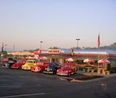 Visit The Diner in Sevierville, Tennessee, USA. Vintage Diner, Retro Diner, Vintage Ads, Gatlinburg Tennessee, Tennessee Vacation, Cities, American Diner, American Food, Ideas
