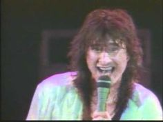 Be Good To Yourself JOURNEY Live 1986 # 8 - Cheesy in the beginning, haha...but worth it once the music starts! :)