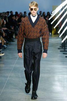 Cerruti 1881 Fall 2018 Menswear Fashion Show Collection Teen Boy Fashion, Guy Fashion, Best Mens Fashion, Mens Fall, Fashion Show Collection, Fashion 2018, Fashion Dresses, Winter Fashion, Menswear