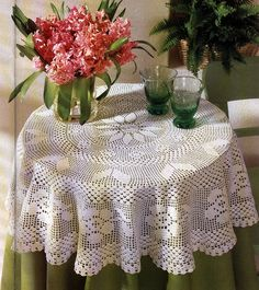 Home Decor Crochet Patterns Part 140 - Beautiful Crochet Patterns and Knitting Patterns Thread Crochet, Filet Crochet, Crochet Motif, Crochet Doilies, Crochet Hooks, Crochet Bedspread, Crochet Tablecloth, Round Tablecloth, Floral Tablecloth