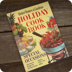 Better Homes and Gardens Holiday Cook Book  by TheTriumphofLove, $6.50 #BetterHomesandGardens #bhg #vintage #cookbook #holidays #books