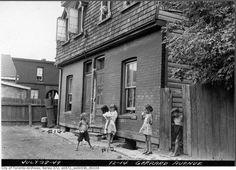 Toronto 1940s Kids playing on Gerrard http://www.blogto.com/city/2015/01/a_1940s_toronto_photo_extravaganza/