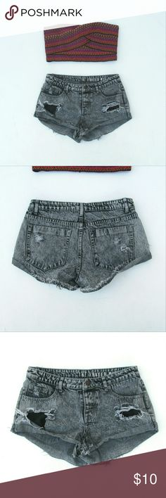 The Frayed Mid Rise Destroyed Denim Shorts Size 4 Flaws are as shown in pics :) Jeans