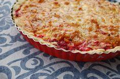 Quiche s červenou řepou, fetou a karamelizovanou cibulí | Ze zahrady do kuchyně