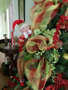 Sapin 2015 chez maman Vert Lime Rouge Christmas Wreaths, Lime, Holiday Decor, Home Decor, Green, Red, Firs, Christmas Swags, Homemade Home Decor