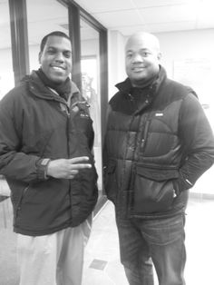 Gary Brackett of the Indianapolis Colts visited our Indi.West 96th location. @GaryBrackett58 Thanks for choosing ACE!