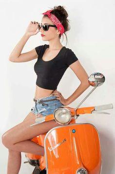 Vespa Scooters, Motos Vespa, Piaggio Vespa, Lambretta Scooter, Scooter Motorcycle, Gas Scooter, Vespa Vintage, Vespa Girl, Scooter Girl