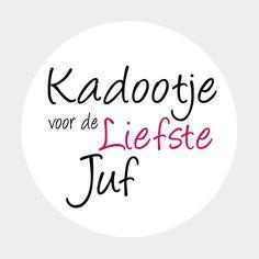 Tegeltjeswijsheid.nl - een uniek presentje - Kadootje voor de liefste juf Oc, Gift Wrapping, Silhouette, Stickers, School, Creative, Paper Wrapping, Wrapping Gifts, Sticker