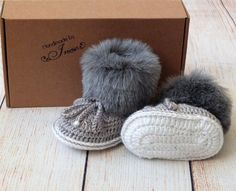 Gray baby booties - Baby boy booties - Faux Fur Baby Booties - Baby Boots - Baby winter Boots - Crochet Baby Boots / / MThese crochet Faux fur topped Baby Booties are handmade. I have added crochet cord to make them more secure on baby's feet. Crochet Baby Boots, Crochet Shoes, Baby Winter Boots, Baby Boy Booties, Crochet Cord, Textiles, Baby Feet, Fur Babies, Faux Fur