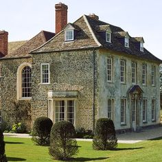 South Front - A painstakingly restored Georgian house nestled in a Somerset valley. The house deservedly won a Georgian Group award in English Country Manor, English Manor Houses, English House, Georgian Architecture, Classical Architecture, Architecture Design, Georgian Homes, Dream House Exterior, Mansions Homes