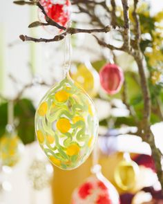 Hand-painted glass eggs in different colours and sizes, with patterns created by artist and illustrator Siri Carlén. The inspiration is sprung from nature, contemporary art and historical craftsmanship. Easter Table Settings, Different Colors, Christmas Bulbs, Contemporary Art, Hand Painted, Colours, Easter Decor, Holiday Decor, Glass