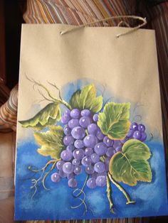 Bolso de papel o funda pintada a mano detalles pintados handpainted details pinterest - Papel pintado a mano ...
