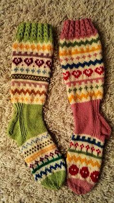 Awesome Socks, Cool Socks, Leg Warmers, Knitting Patterns, Hobbies, Winter Hats, Slippers, Walking, Handmade