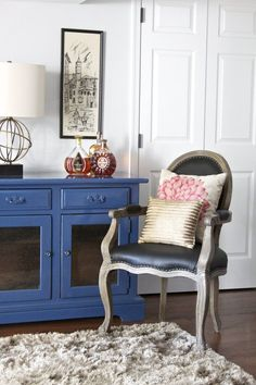Kelly's Darling Dutch Colonial house call