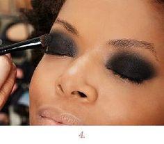 Marcos Costa ensina como destacar os olhos com bastante sombra preta. Confira o passo a passo da maquiagem que ele criou pensando na blogueira Maraísa Fidelis, do blog Beleza Interior?